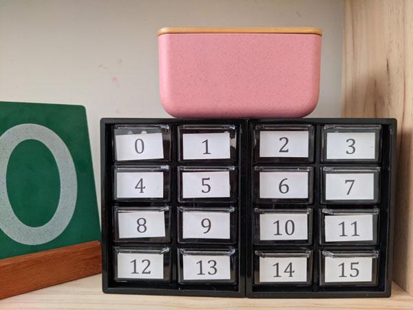 caixa de numeros e quantidades para trabalhar matematica