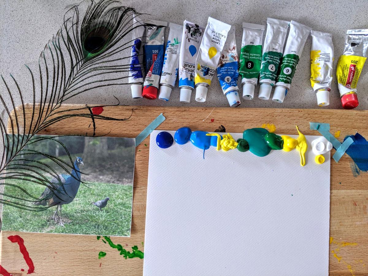 Atividade de pintura pavão